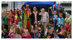 MAGIC OZ CHILDREN'S ENTERTAINERS COUNTY SHOWS FETES AND FAIRS FUN DAYS